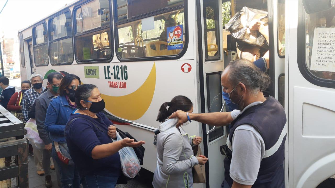 A más de 10 mil personas se les ha negado el servicio de transporte por no usar su cubrebocas.